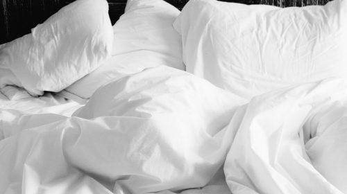 5 SIMPLE WAYS TO GET A GOOD NIGHT'S SLEEP